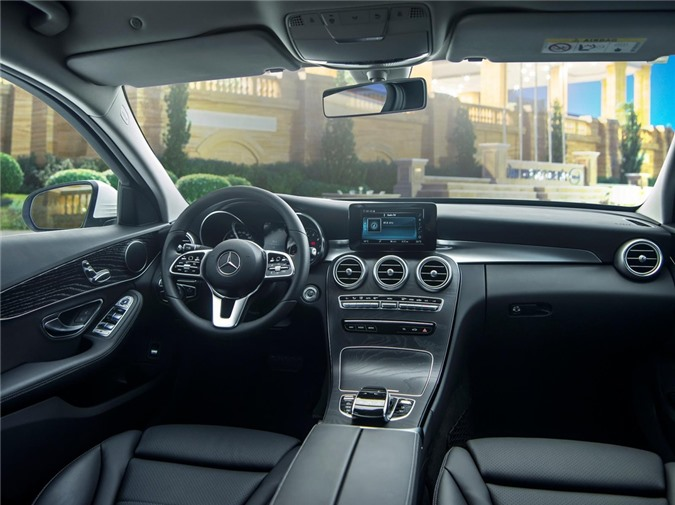 Duoi 2 ty, chon Mercedes-Benz C 200 Exclusive hay BMW 320i Sport Line? hinh anh 10 C_200_Exclusive_04.jpg