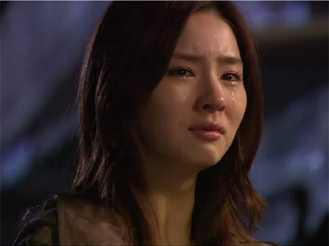 Mẹ tức giận gọi điện mắng chị dâu vì anh trai không chịu gửi tiền về, nhưng rồi bà lại khóc ngất khi nhận được một đoạn video bí mật 0