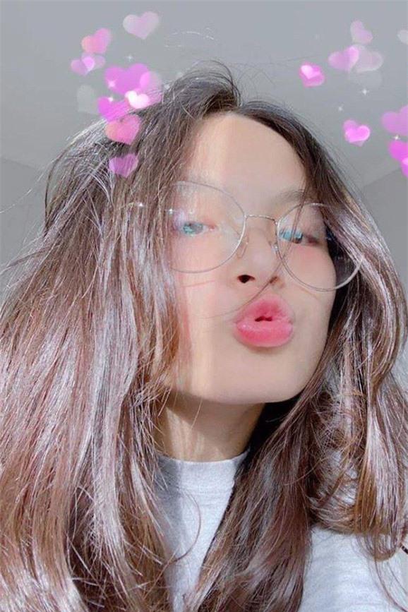 nhan sắc con gái Phan Anh 2