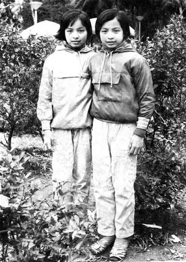 Thúy Hằng- Thúy Hạnh năm 15 tuổi giống nhau đến nỗi ông xã cũng bó tay - 3