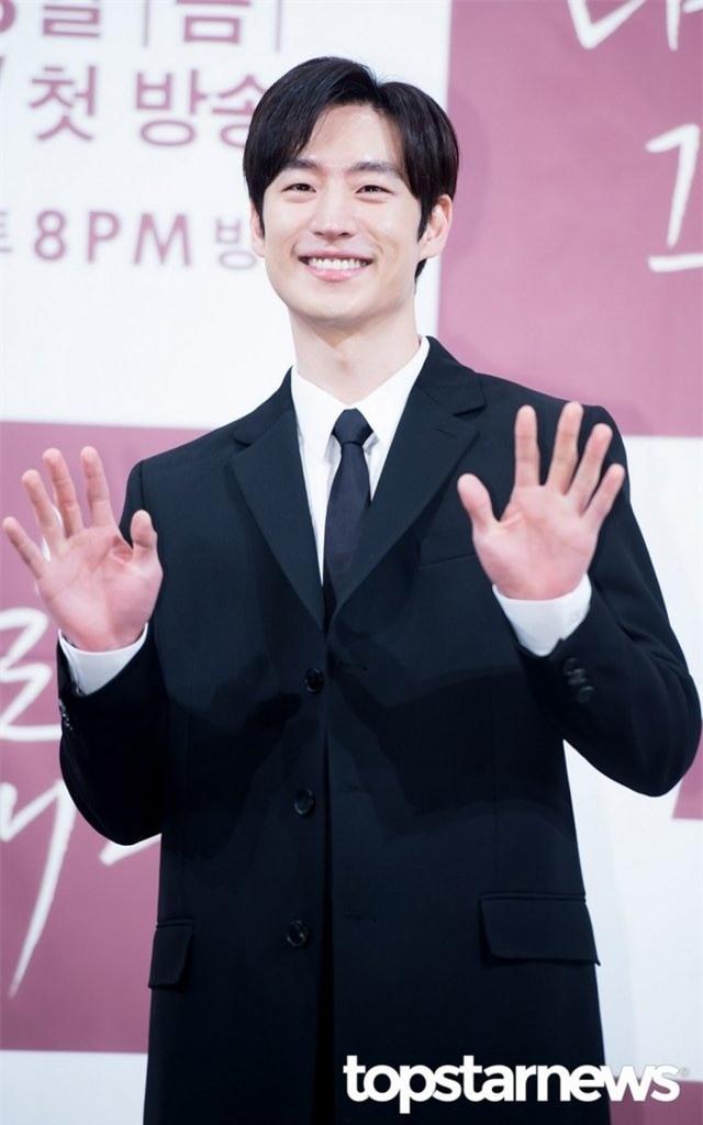 5 nam diễn viên có giọng nói quyến rũ nhất Hàn Quốc: Thừa sức hớp hồn fan nữ! - Ảnh 5