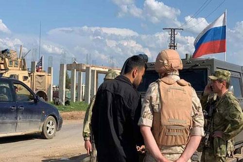Các đơn vị quân cảnh Nga tại tỉnh Hasakah ở Đông Bắc Syria đã ngăn chặn một đội tuần tra của Mỹ tiến vào một thành phố chiến lược. (Nguồn: Prensa Latina)