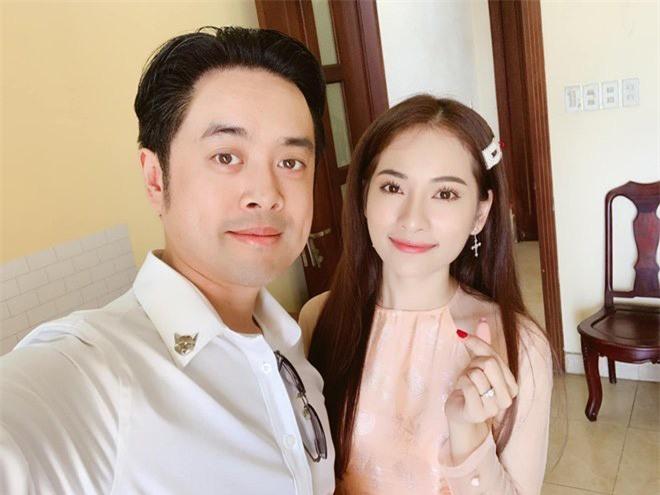 Vợ kém 13 tuổi của Dương Khắc Linh đoạt 20 triệu nhờ... chồng hay bị chọc ghẹo - Ảnh 3.