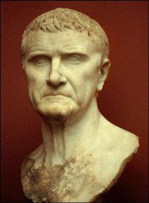Crassus - tướng quân La Mã đầy uy quyền suýt bị xử tử vì gạ một trinh nữ... bán nhà