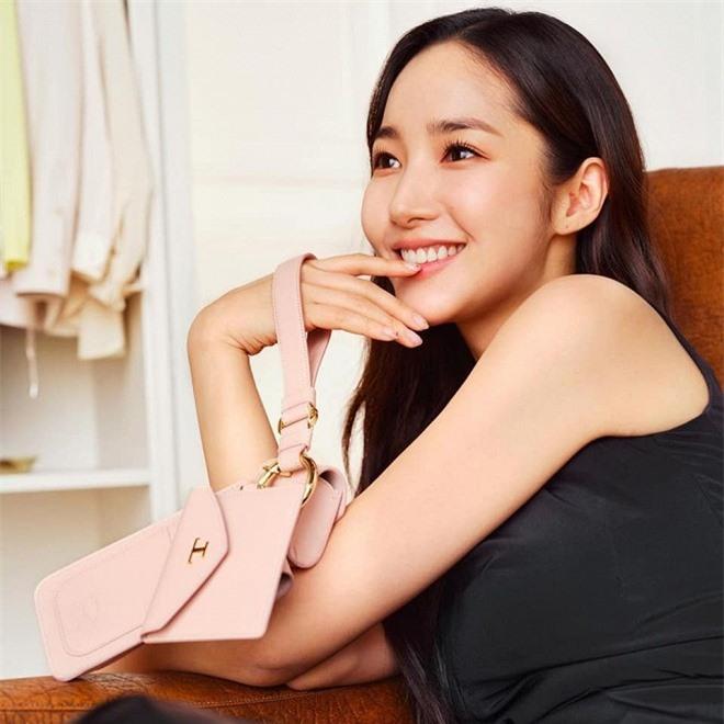 hye2-ngoisao.vn-w960-h960.jpg 0