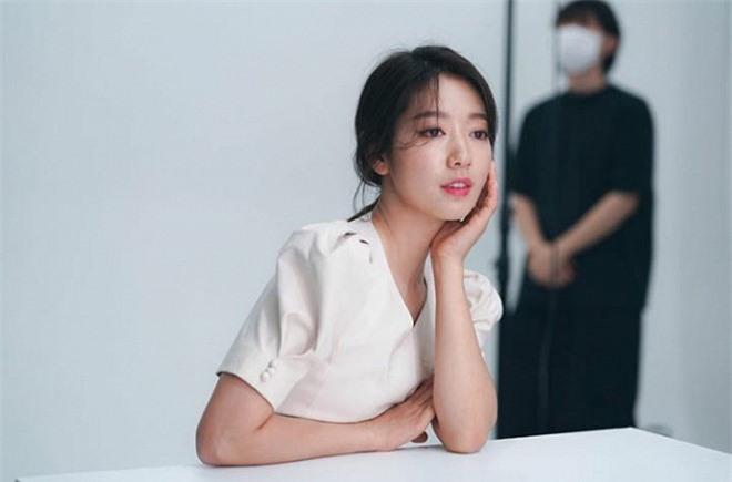 hye1-ngoisao.vn-w720-h475.jpg 0