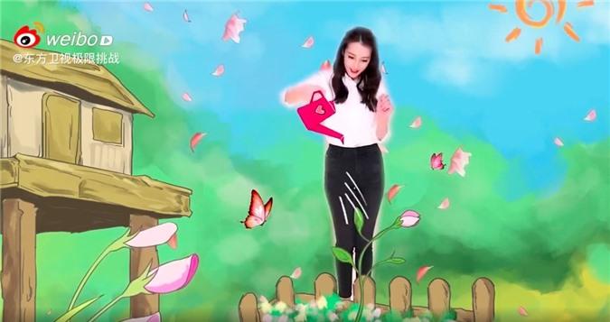 """""""Thử thách cực hạn"""" tung clip của Địch Lệ Nhiệt Ba, dáng đẹp mặt xinh giọng nói lại còn ngọt mê mẩn  - Ảnh 6."""