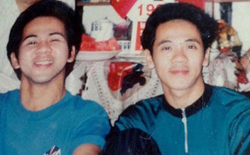 Bạch Long và em trai NSƯT Thành Lộc đều là nghệ sĩ nổi tiếng trên sân khấu ca nhạc, kịch và cải lương.