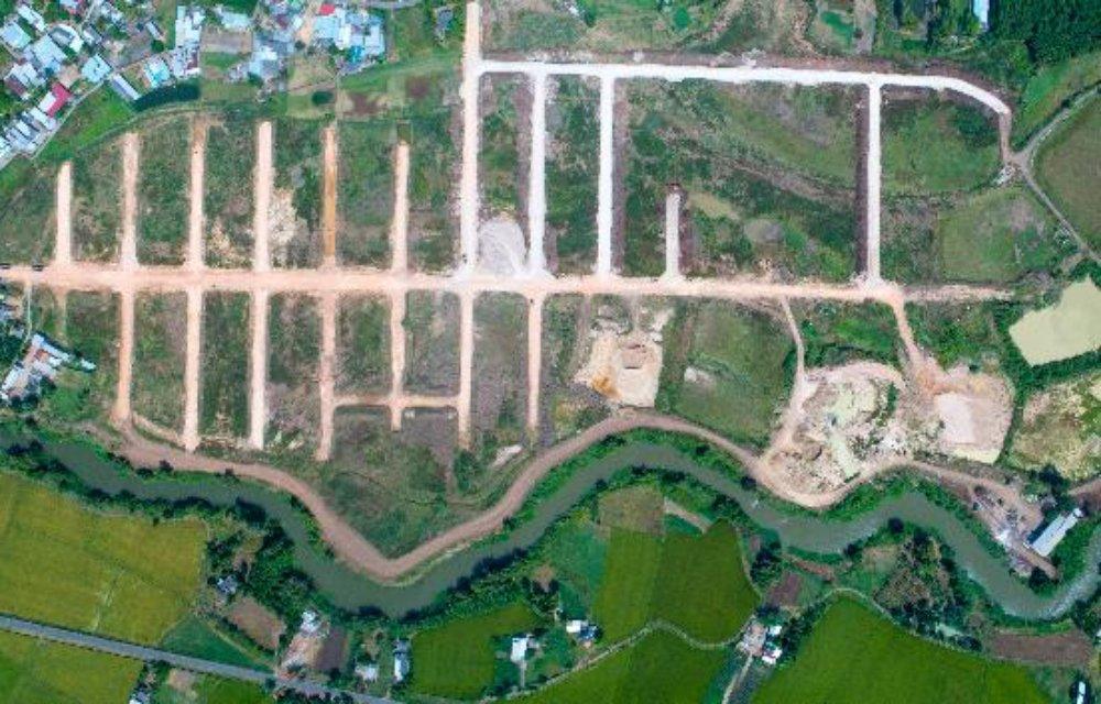 """""""Siêu dự án"""" Hồ Tràm Riverside đang được nhiều công ty môi giới chào bán cho khách hàng với giá 7 triệu đồng/m2."""