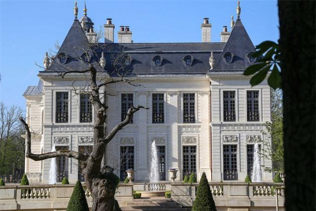Có gì trong tòa lâu đài đắt giá nhất thế giới - Ảnh 2.
