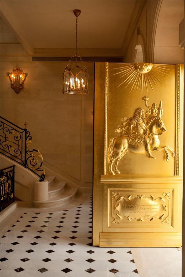 Có gì trong tòa lâu đài đắt giá nhất thế giới - Ảnh 5.