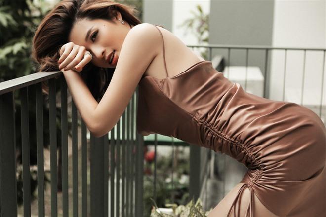 Hoa hậu Phan Hoàng Thu khoe loạt ảnh gợi cảm - Ảnh 5.