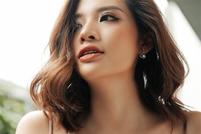 Hoa hậu Phan Hoàng Thu khoe loạt ảnh gợi cảm - Ảnh 6.