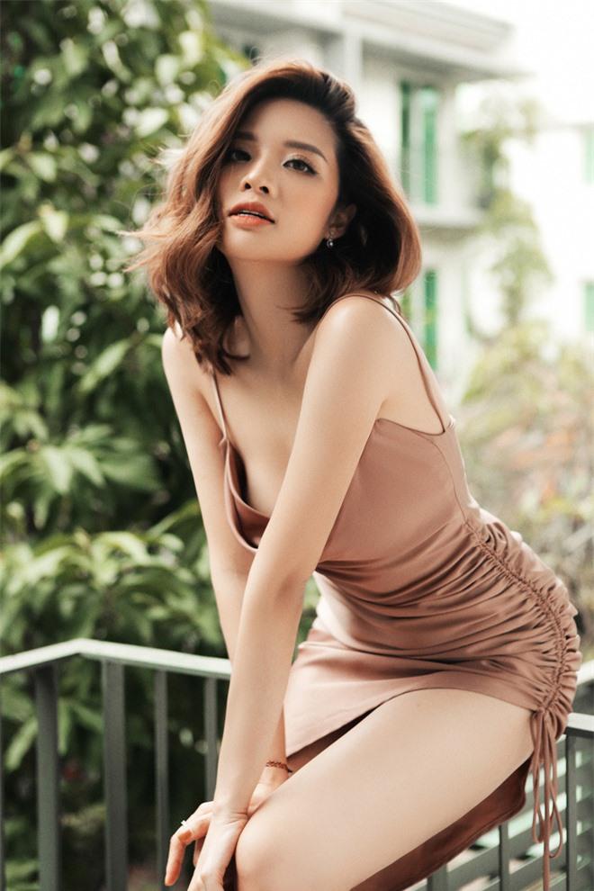 Hoa hậu Phan Hoàng Thu khoe loạt ảnh gợi cảm - Ảnh 7.