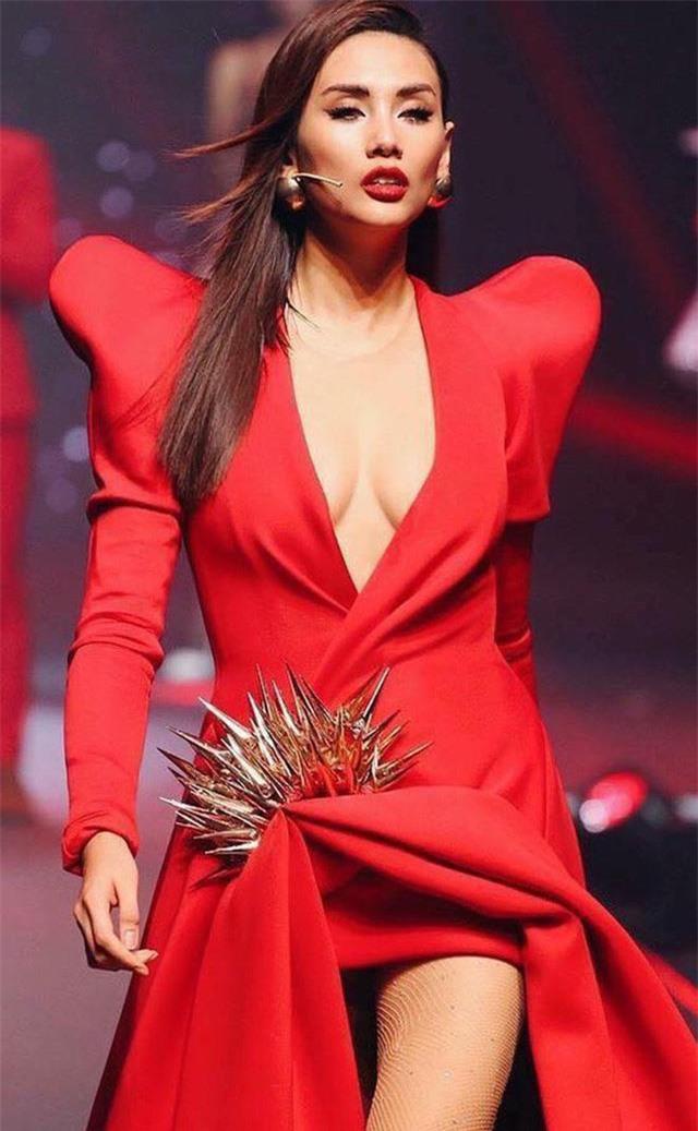 Top mỹ nhân showbiz Việt đã xinh đẹp, đa tài lại còn là game thủ thứ thiệt - Ảnh 10.