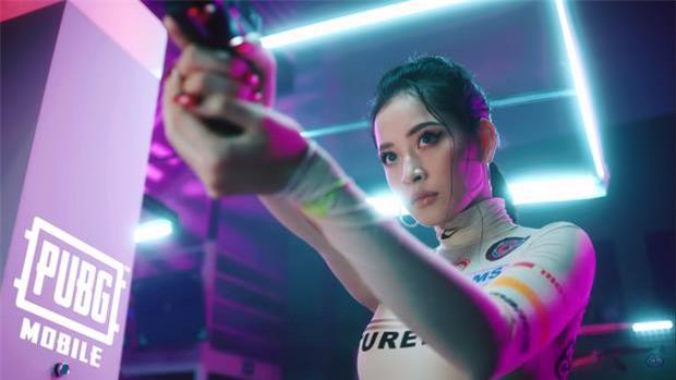 Top mỹ nhân showbiz Việt đã xinh đẹp, đa tài lại còn là game thủ thứ thiệt - Ảnh 4.