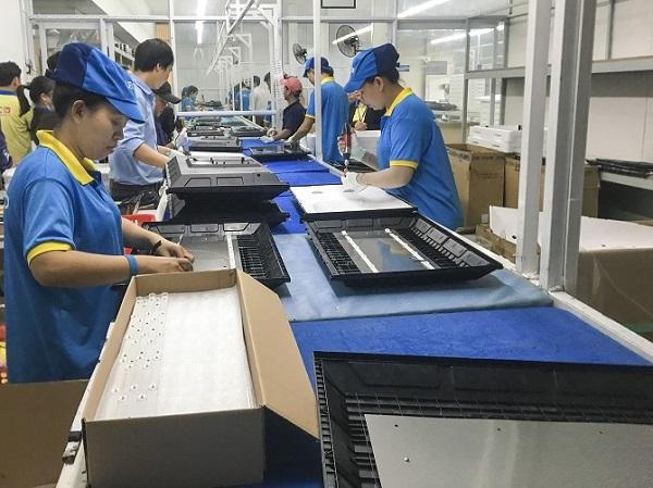 Ngành công nghiệp điện tử trong nước đang gặp khó khăn rất lớn sau dịch bệnh Covid-19.