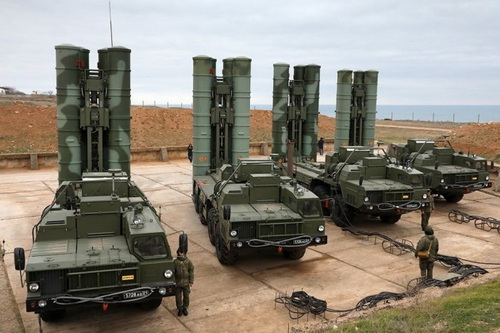 Saudi Arabia có thể mua hệ thống phòng không S-400 của Nga hoặc HQ-9 và HQ-22 từ Trung Quốc nhằm thay thế Patriot. Ảnh: TASS.