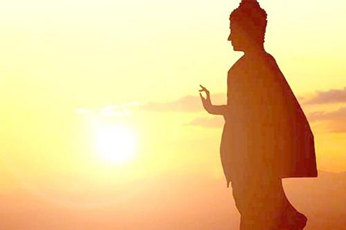 Làm người nhớ lấy từ bi để dưỡng tâm, còn khoan dung để dưỡng khí