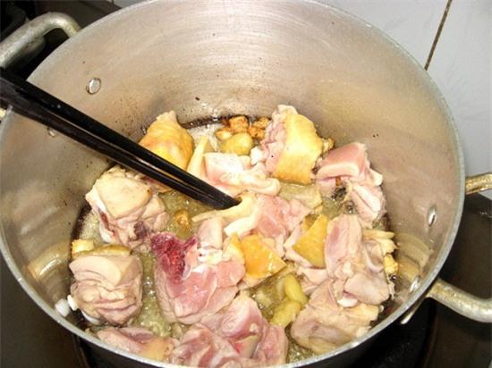 Cách nấu canh gà lá giang ngon đúng điệu, cho mâm cơm ngày lễ thêm mới lạ - Ảnh 3