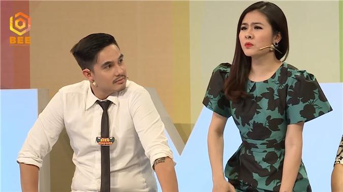 Diễn viên Vân Trang bật dậy khỏi bàn, tranh cãi kịch liệt với Tường Vi vì bất đồng quan điểm - Ảnh 3.