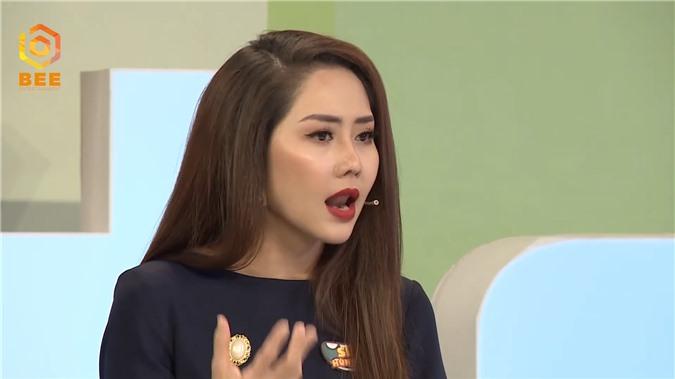 Diễn viên Vân Trang bật dậy khỏi bàn, tranh cãi kịch liệt với Tường Vi vì bất đồng quan điểm - Ảnh 6.