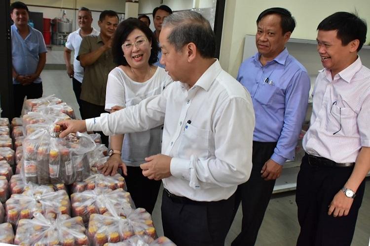 Chủ tịch UBND tỉnh Thừa Thiên Huế Phan Ngọc Thọ thăm cơ sở sản xuất chế biến thực phẩm Cô Ri