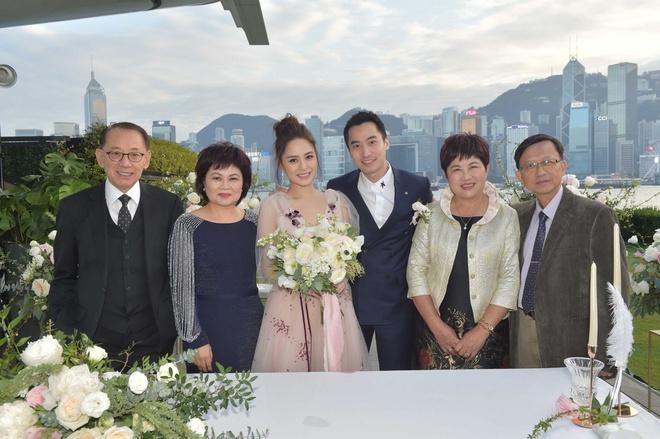 Cuộc hôn nhân của người đẹp Hong Kong và ông xã kém 8 tuổi đổ vỡ sau hơn một năm cưới.