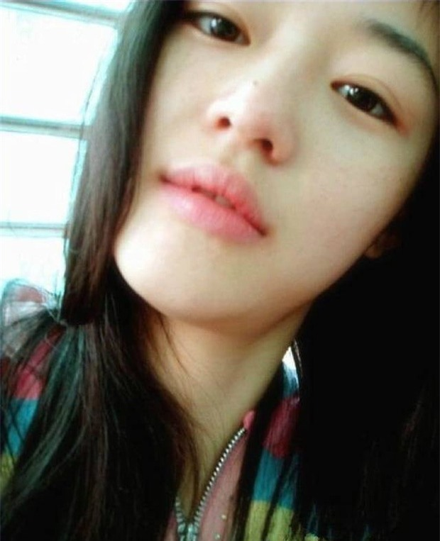 Không thể tin nổi đây là ảnh mặt mộc 100% của 'mợ chảnh' Jeon Ji Hyun thời trẻ: Da lấm tấm tàn nhang vẫn đẹp không thốt nên lời 0