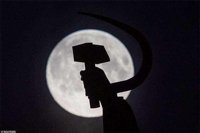 Ngất ngây trước vẻ đẹp của siêu trăng trên khắp thế giới - 6