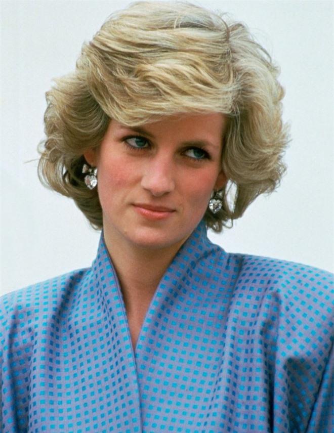 Công nương Diana từng cố tự tử bốn lần, góc khuất cuộc đời sẽ chính thức được lên phim 2