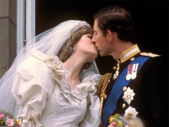 Công nương Diana từng cố tự tử bốn lần, góc khuất cuộc đời sẽ chính thức được lên phim 1