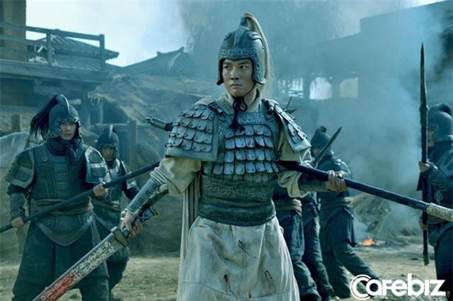 Cùng bị vạn quân Tào Tháo bao vây, vì sao Triệu Vân thoát được còn Lã Bố lại rơi vào kết cục bi thảm? - Ảnh 2.