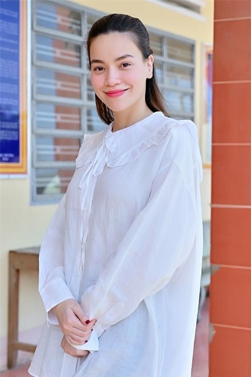 Hồ Ngọc Hà cám ơn các tấm lòng cùng cô giúp đỡ người dân trước dịch Covid-19 và hạn mặn thời gian qua.