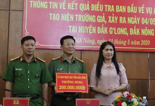"""Phó Chủ tịch tỉnh Đắk Nông thưởng """"nóng"""" Ban chuyên án"""