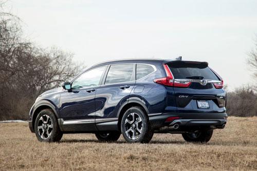 6. Honda CR-V (doanh số: 411 chiếc).