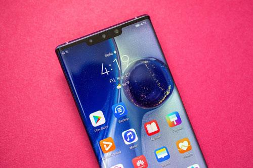 8. Huawei Mate 30 Pro (93 điểm).