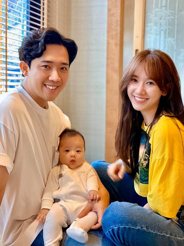 Nhìn loạt ảnh bên cháu ruột của vợ chồng Trấn Thành, ai ai cũng mường tượng đến khoảnh khắc một gia đình nhỏ hạnh phúc và hối thúc cả hai sớm sinh em bé.