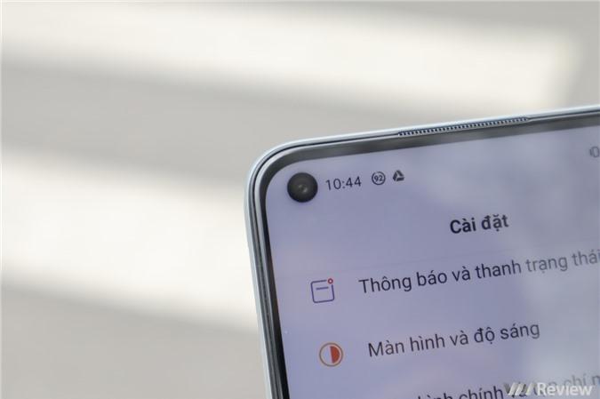 Trên tay Realme 6: Kỳ phùng địch thủ với Redmi Note 9S, phổ cập màn hình 90Hz cho mọi nhà