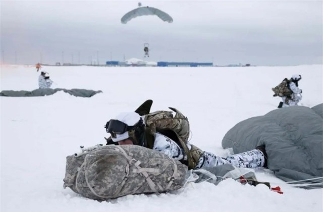 Hành động quân sự Nga tại Bắc Cực dấy lên loạt e ngại - Ảnh 1.