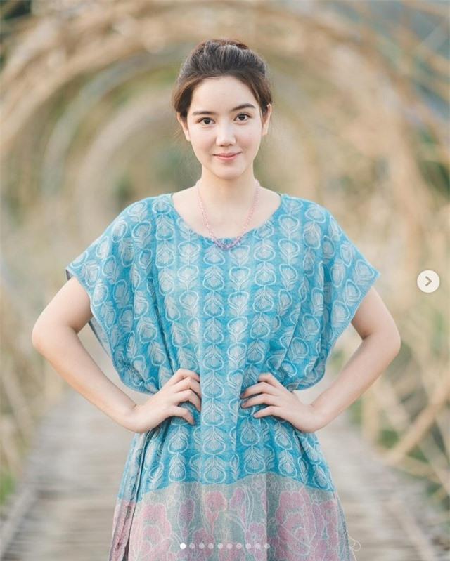 Ngắm vẻ đẹp ngọt ngào của hoa khôi làng cầu lông Thái Lan - 18