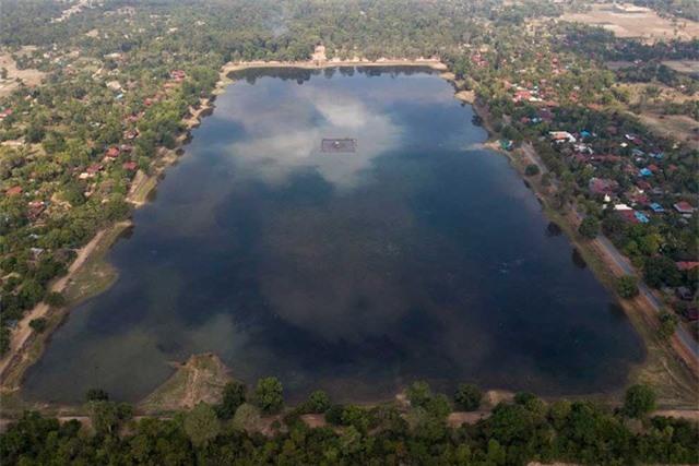 Tìm thấy tượng rùa dài một mét chìm dưới hồ chứa nước - 3