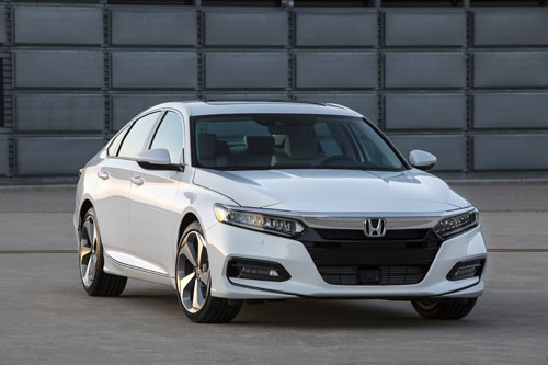 =5. Honda Accord (doanh số: 7 chiếc).
