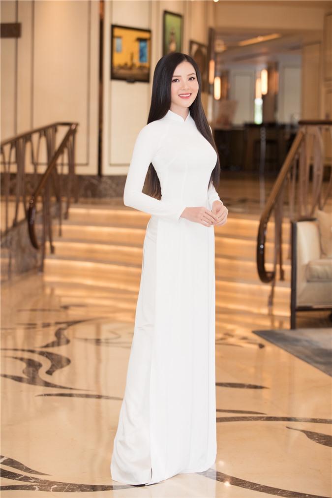 Mỹ Linh - Tiểu Vy cũng dàn Hậu 10x Vbiz đồng loạt diện áo dài trắng nền nã, tái xuất sau chuỗi ngày dài nghỉ dịch - Ảnh 15.