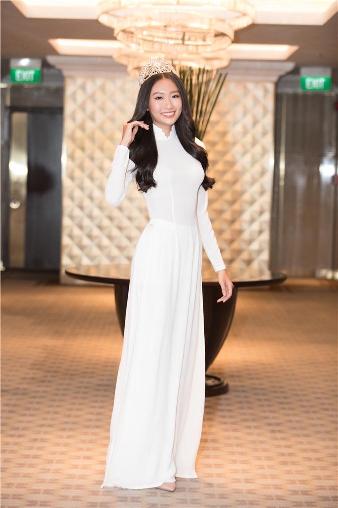 Mỹ Linh - Tiểu Vy cũng dàn Hậu 10x Vbiz đồng loạt diện áo dài trắng nền nã, tái xuất sau chuỗi ngày dài nghỉ dịch - Ảnh 16.