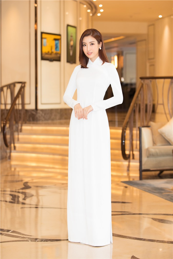 Mỹ Linh - Tiểu Vy cũng dàn Hậu 10x Vbiz đồng loạt diện áo dài trắng nền nã, tái xuất sau chuỗi ngày dài nghỉ dịch - Ảnh 4.