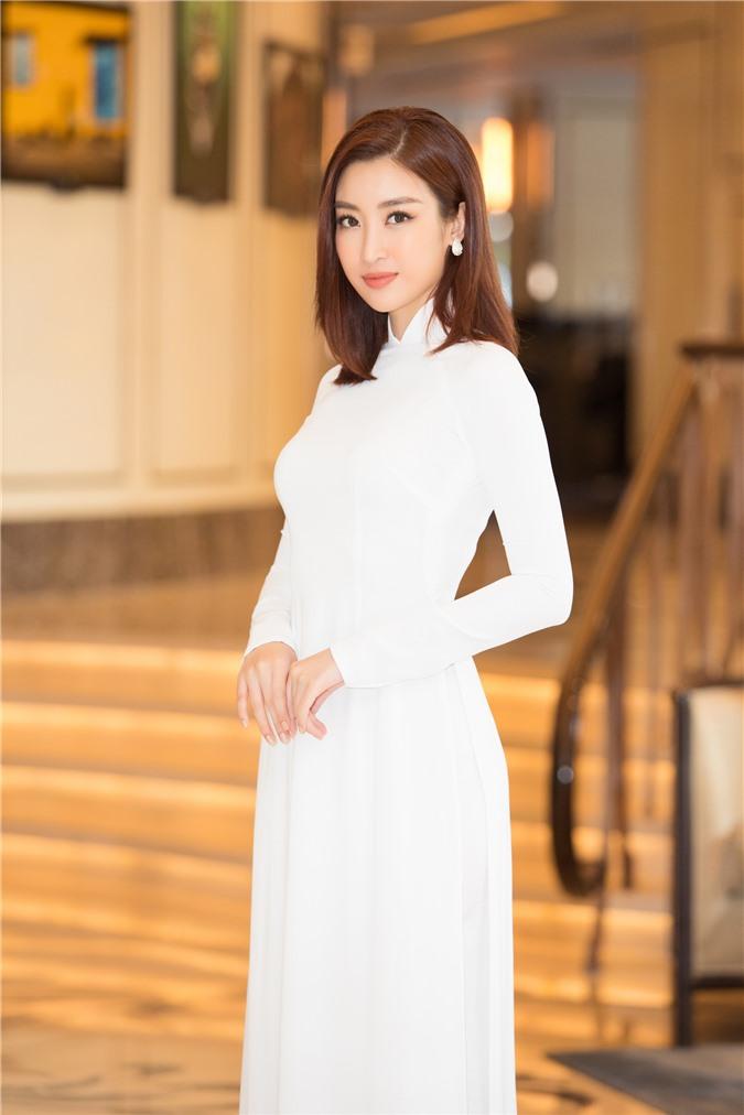 Mỹ Linh - Tiểu Vy cũng dàn Hậu 10x Vbiz đồng loạt diện áo dài trắng nền nã, tái xuất sau chuỗi ngày dài nghỉ dịch - Ảnh 5.