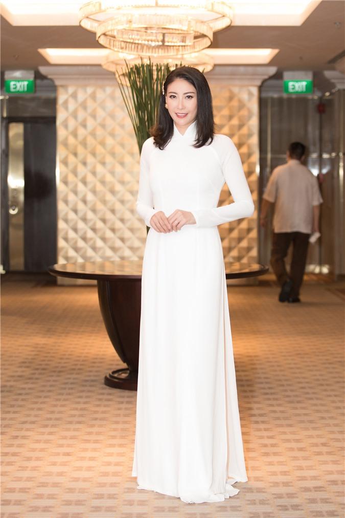 Mỹ Linh - Tiểu Vy cũng dàn Hậu 10x Vbiz đồng loạt diện áo dài trắng nền nã, tái xuất sau chuỗi ngày dài nghỉ dịch - Ảnh 6.