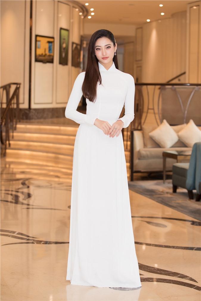 Mỹ Linh - Tiểu Vy cũng dàn Hậu 10x Vbiz đồng loạt diện áo dài trắng nền nã, tái xuất sau chuỗi ngày dài nghỉ dịch - Ảnh 8.