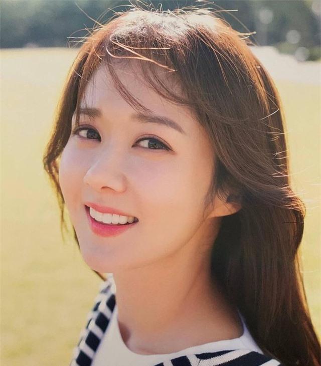 """""""Cô gái thông minh"""" Jang Nara tiết lộ lý do không lấy chồng - 11"""